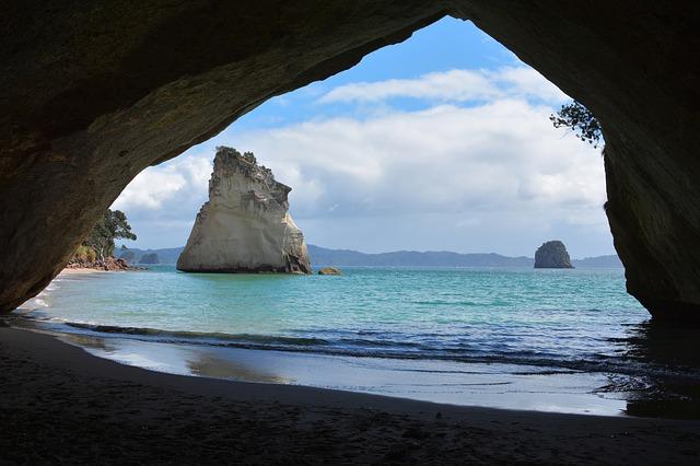 jeskyně u moře